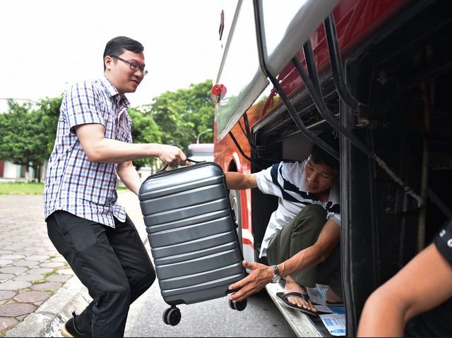 Hơn 800 giảng viên trường ĐH Bách Khoa HN đến Thanh Hóa coi thi - 9