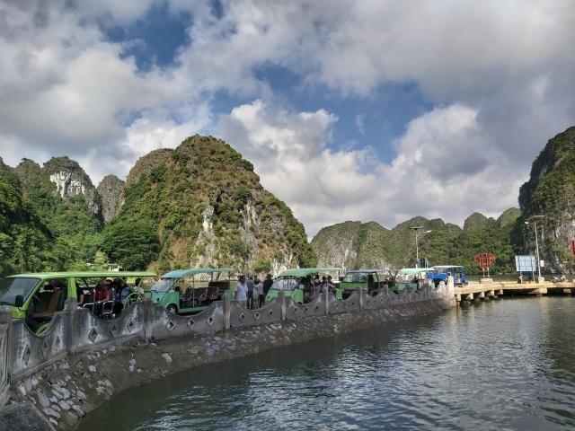 Khám phá Việt Hải – làng chài thơ mộng ít người biết ở đảo Cát Bà - 1