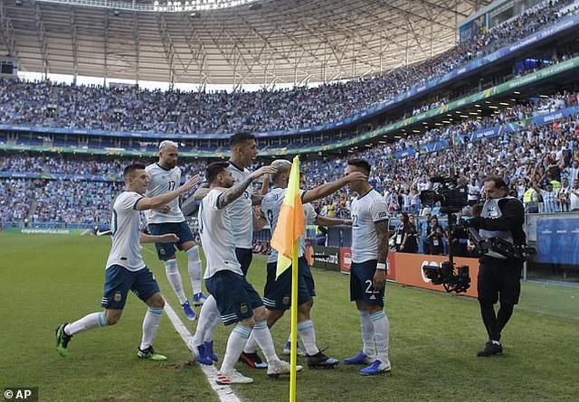 Hạ Qatar, Argentina vào tứ kết Copa America gặp Venezuela - 6