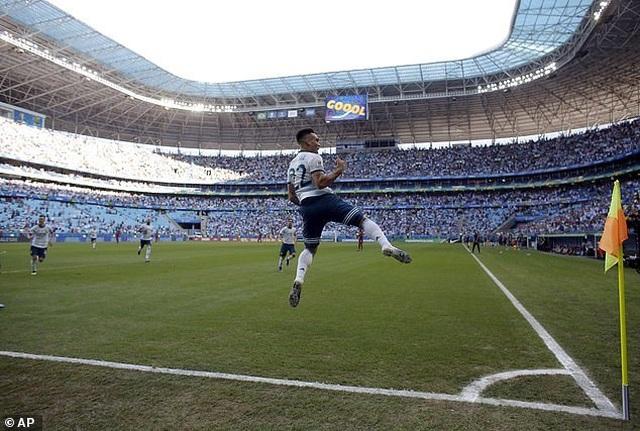 Hạ Qatar, Argentina vào tứ kết Copa America gặp Venezuela - 2