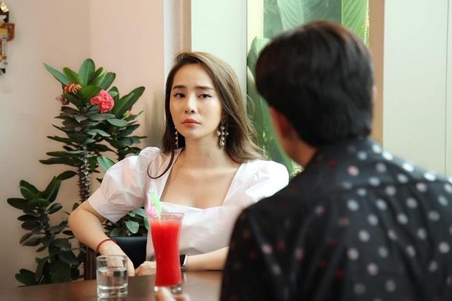 """Quỳnh Nga bị chỉ trích khi """"chen chân"""" vào cuộc hôn nhân Vũ -Thư phim """"Về nhà đi con"""" - 1"""