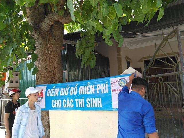 Hà Tĩnh: Hơn 1.400 tình nguyện viên hỗ trợ thí sinh trong kỳ thi - 2