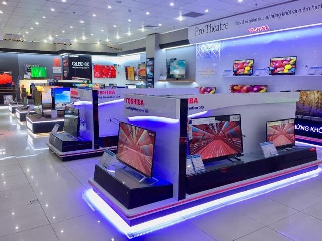 Các siêu thị, trung tâm thương mại: Nơi cấm, nơi vẫn bán đồ của Asanzo - 1