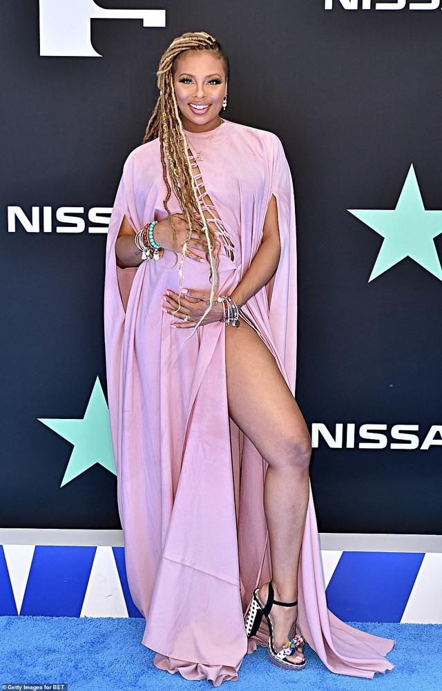 Ciara khoe chân dài, Justine Skye phô nội y trên thảm đỏ - 8