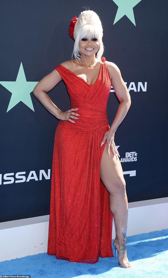 Ciara khoe chân dài, Justine Skye phô nội y trên thảm đỏ - 12