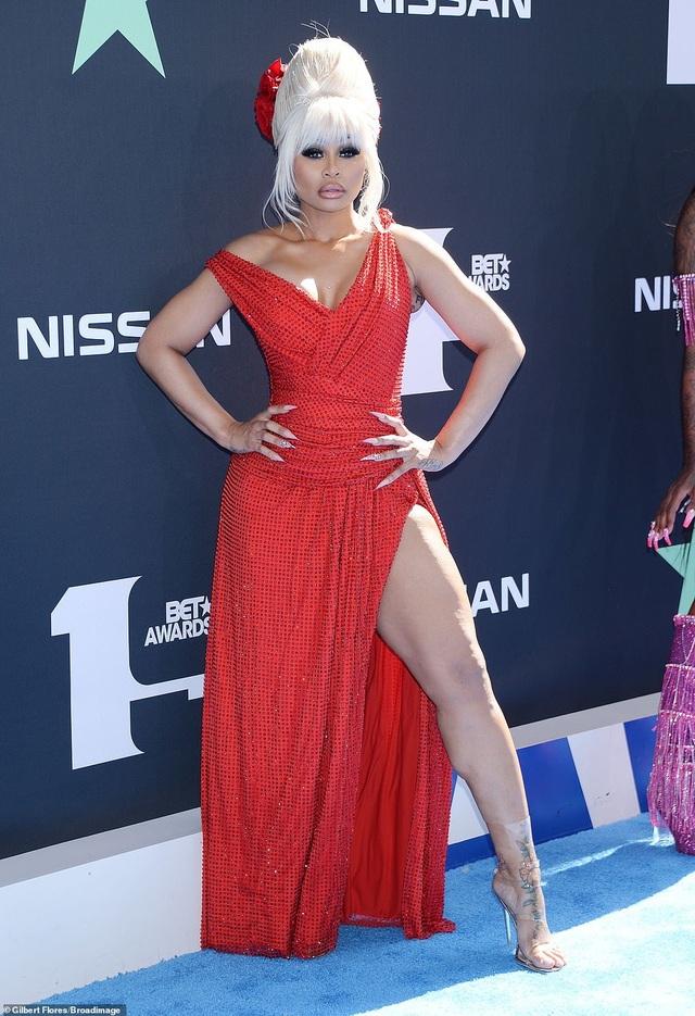 Ciara khoe chân dài, Justine Skye phô nội y trên thảm đỏ - 14