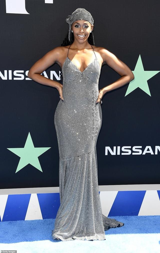 Ciara khoe chân dài, Justine Skye phô nội y trên thảm đỏ - 40