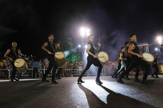 Đà Nẵng bùng nổ với các vũ điệu carnival đường phố tối 23/6 - 2