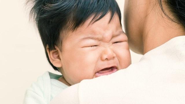 Chuyên gia bày cách đơn giản trị 3 lý do khiến trẻ quấy khóc ngày đêm