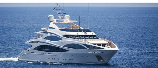 C.Ronaldo thuê siêu du thuyền với giá hơn 4,6 tỷ đồng/tuần - 2