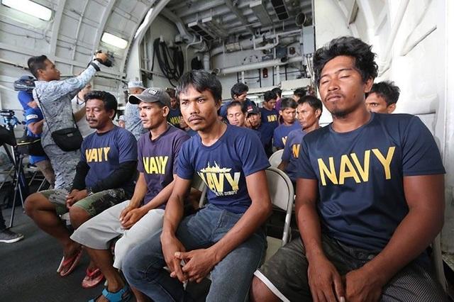 Nghị sĩ Philippines phản đối điều tra chung với Trung Quốc vụ va chạm trên Biển Đông - 1