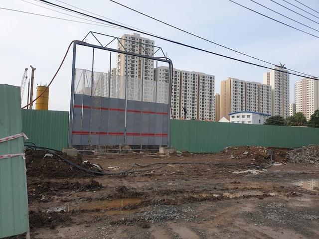 Cận cảnh dự án khủng trong khu đất vàng Quận 2, TPHCM vừa bị dừng thi công - 13