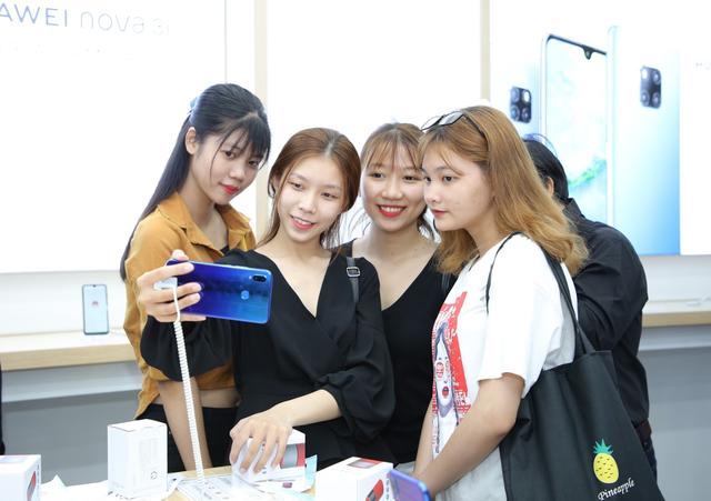"""Huawei vẫn mạnh tay đầu tư vào Việt Nam giữa """"tâm bão"""" cấm vận - 3"""