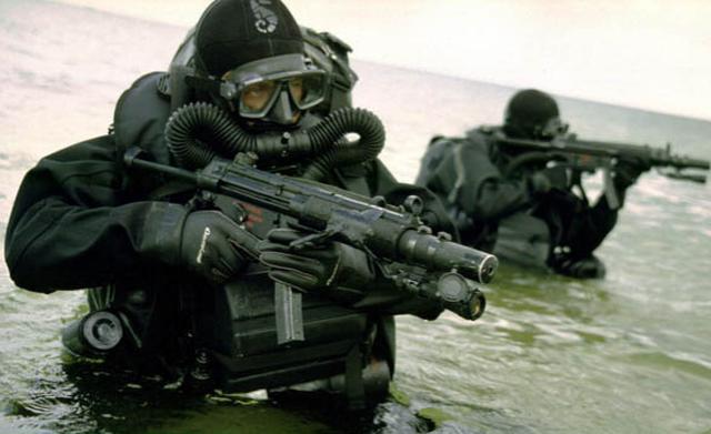 Anh điều đặc nhiệm, người nhái tinh nhuệ đến vùng biển gần Iran - 1