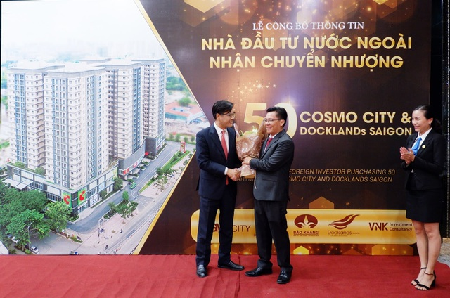 Nhà đầu tư Quốc tế rót gần 250 tỷ đồng mua căn hộ Cosmo City và Docklands Saigon - 1