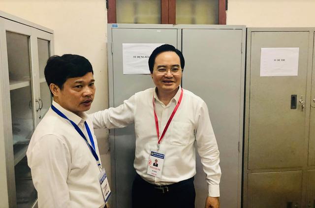"""Bộ trưởng Phùng Xuân Nhạ thị sát điểm thi trước """"giờ G"""" - 5"""
