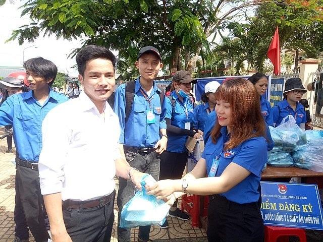 Đắk Lắk: 15.000 suất ăn miễn phí cho thí sinh dự thi THPT quốc gia - 1