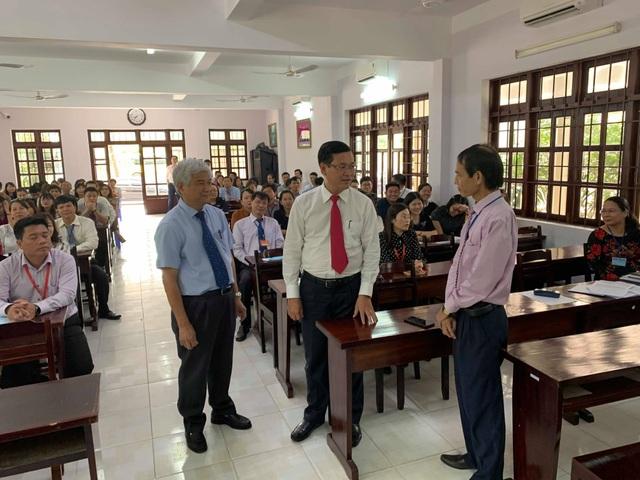 Lãnh đạo Bộ GD-ĐT kiểm tra công tác coi thi tại Bà Rịa - Vũng Tàu - 2