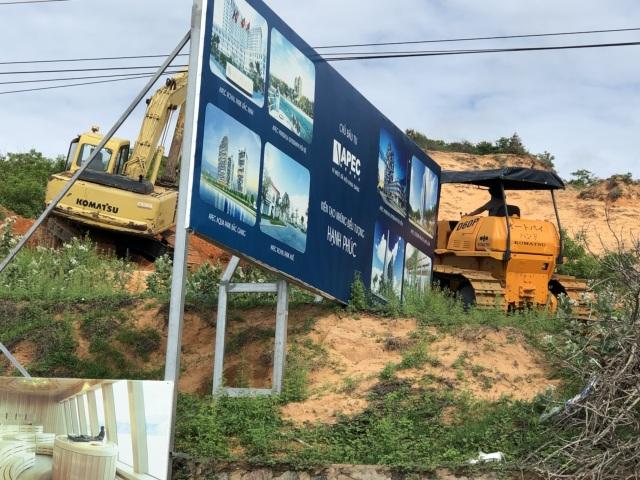 Tiến độ dự án Apec Mandala Wyndham Mũi Né: Nhà thầu đưa máy móc san nền và thi công đường tạm - 2