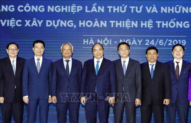 Thủ tướng: Đẩy mạnh xây dựng Chính phủ số, nền quản trị số và hệ thống đô thị thông minh - 1