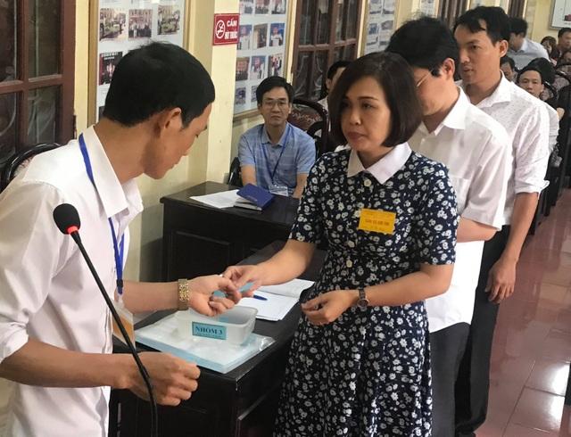 Thí sinh đến sớm, xem lại bài trước môn thi đầu THPT quốc gia 2019 - 7