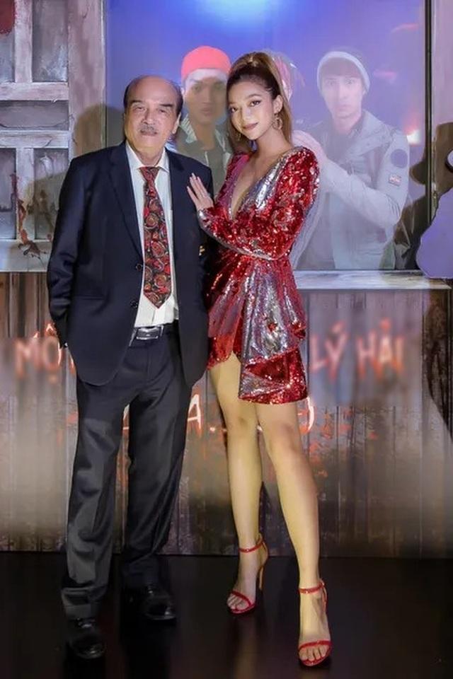 Đường cong nóng bỏng con gái Chưởng môn Vịnh Xuân Nam Anh và Hoa hậu Điện ảnh - 1