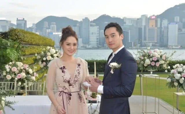 Chung Hân Đồng mang bầu sau một năm làm đám cưới? - 1