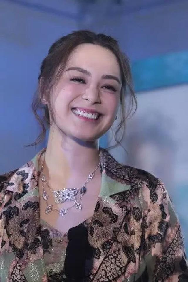 Chung Hân Đồng mang bầu sau một năm làm đám cưới? - 10