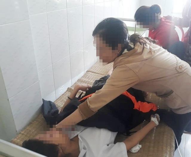 Cà Mau: Một thí sinh bị tai nạn giao thông trên đường đi thi về - 1