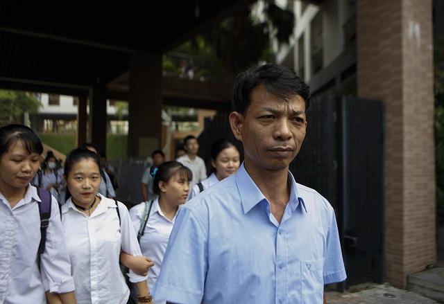 Người đàn ông 47 tuổi thi THPT quốc gia làm gương cho con cháu - 2