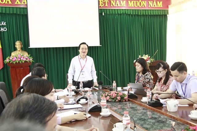 Bộ trưởng Phùng Xuân Nhạ nhắc giám thị cần cảnh giác với thiết bị công nghệ cao - 1