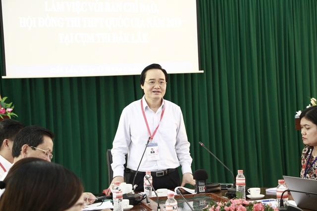 Bộ trưởng Phùng Xuân Nhạ nhắc giám thị cần cảnh giác với thiết bị công nghệ cao - 2