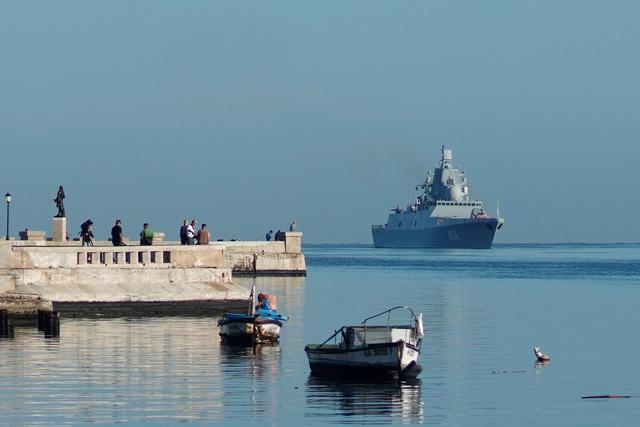 """Tàu Nga mang tên lửa cập cảng Cuba, Mỹ theo dõi """"nhất cử nhất động"""" - 1"""