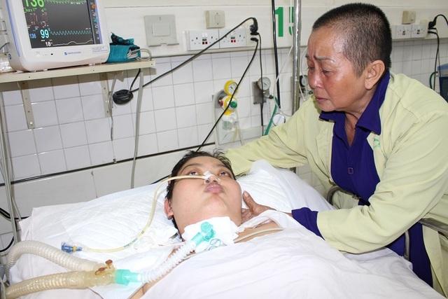 Mẹ chết mòn trên giường bệnh, bé 8 tháng tuổi khóc ngằn ngặt đòi sữa đến nhói lòng! - 3