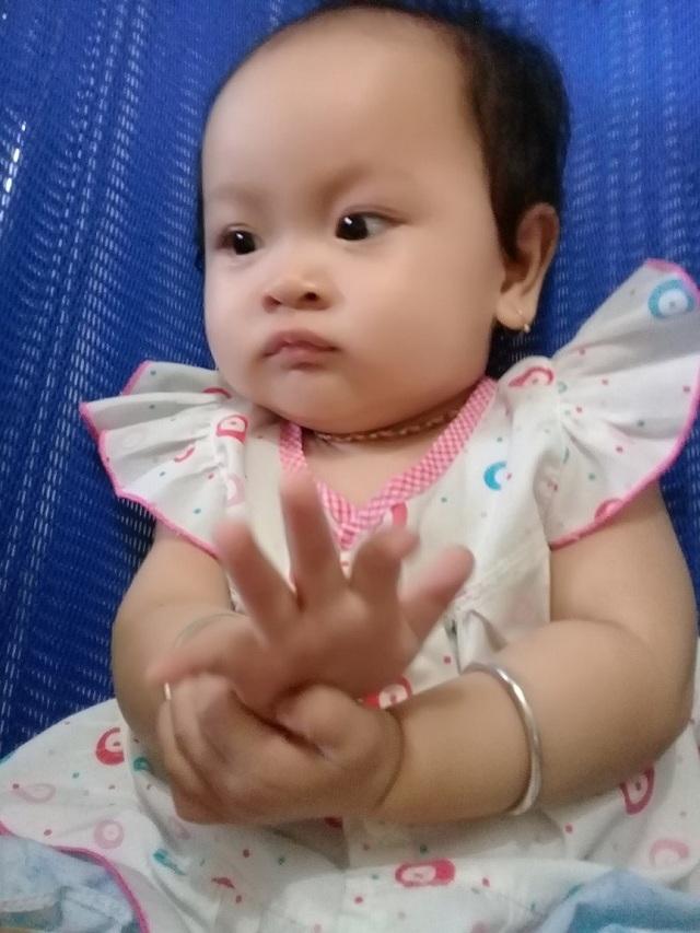 Mẹ chết mòn trên giường bệnh, bé 8 tháng tuổi khóc ngằn ngặt đòi sữa đến nhói lòng! - 2