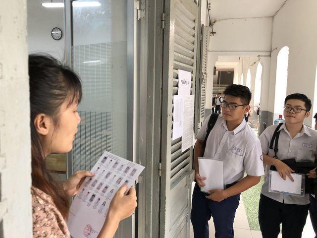 Gần 900 nghìn thí sinh bắt đầu vượt vũ môn kỳ thi THPT quốc gia 2019 - 1
