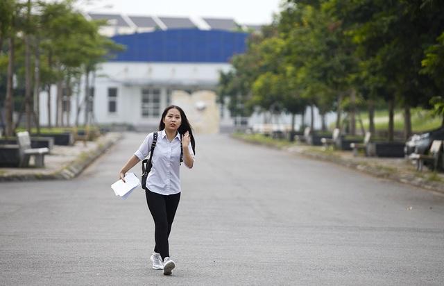 Ước mơ đại học của cha con nữ thí sinh bệnh não ở Hà Nội  - 6