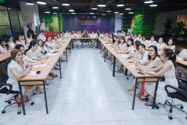 """100 nữ """"thủ lĩnh"""" trẻ tụ hội chia sẻ bí quyết tự tin theo đuổi đam mê - 3"""