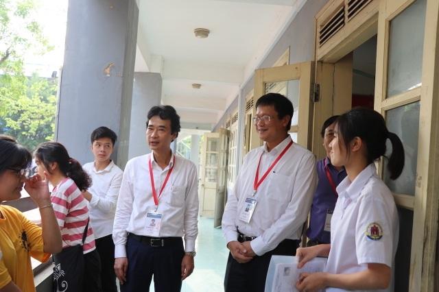 """Thứ trưởng Lê Hải An """"thị sát"""" một số điểm thi tại Hưng Yên - 3"""