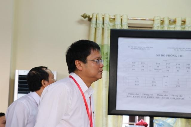 """Thứ trưởng Lê Hải An """"thị sát"""" một số điểm thi tại Hưng Yên - 6"""