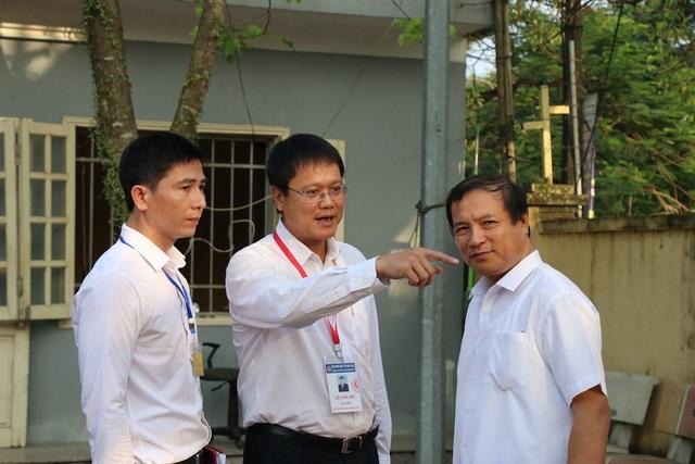 """Thứ trưởng Lê Hải An """"thị sát"""" một số điểm thi tại Hưng Yên - 7"""