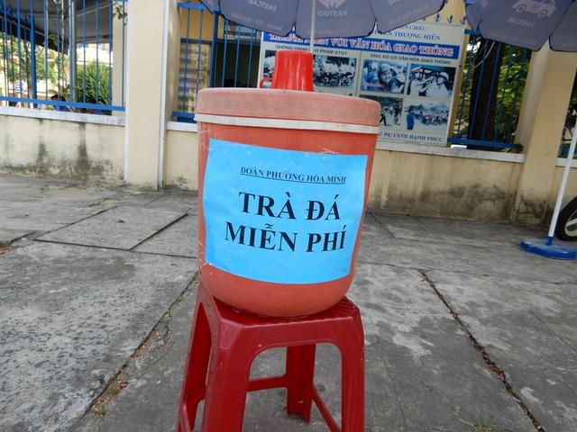 Đà Nẵng: Xe ôm miễn phí đưa đón thí sinh đi thi - 4