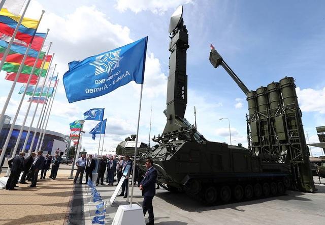 """Nga """"khoe"""" dàn khí tài uy lực, độc đáo tại triển lãm quân sự - 1"""