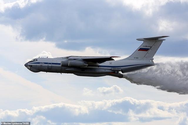 """Nga """"khoe"""" dàn khí tài uy lực, độc đáo tại triển lãm quân sự - 13"""