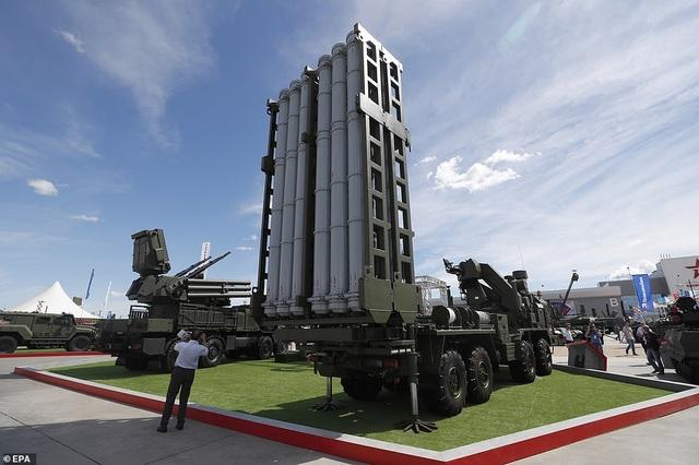 """Nga """"khoe"""" dàn khí tài uy lực, độc đáo tại triển lãm quân sự - 10"""