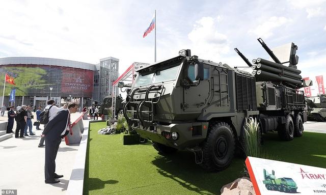 """Nga """"khoe"""" dàn khí tài uy lực, độc đáo tại triển lãm quân sự - 12"""