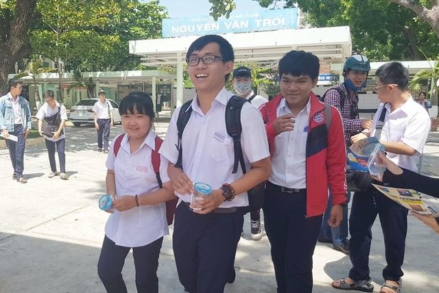 Khánh Hòa có 3 bài thi môn Văn đạt điểm cao nhất là 9 điểm - 1