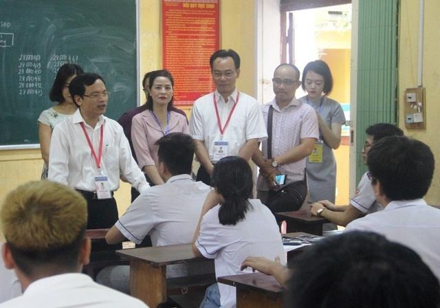 Cục trưởng Mai Văn Trinh kiểm tra phòng bảo quản, bảo mật đề thi tại Thanh Hóa - 4