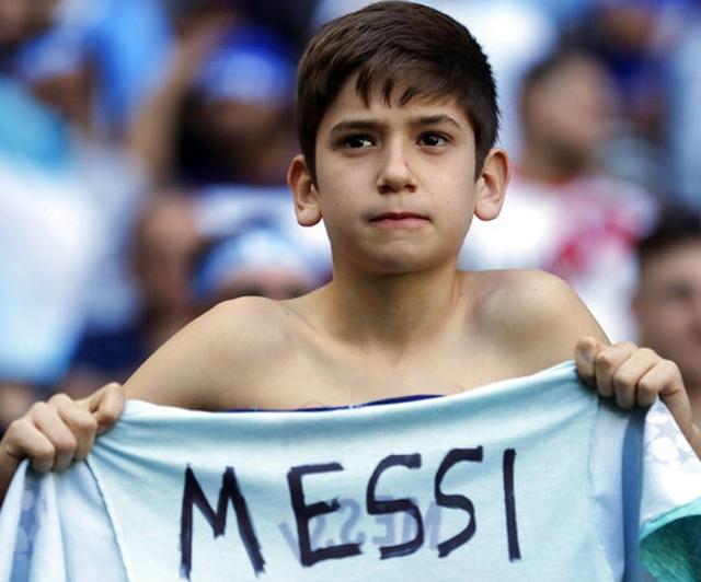 Vì sao Messi không thể thăng hoa cùng Argentina như tại Barcelona? - 5