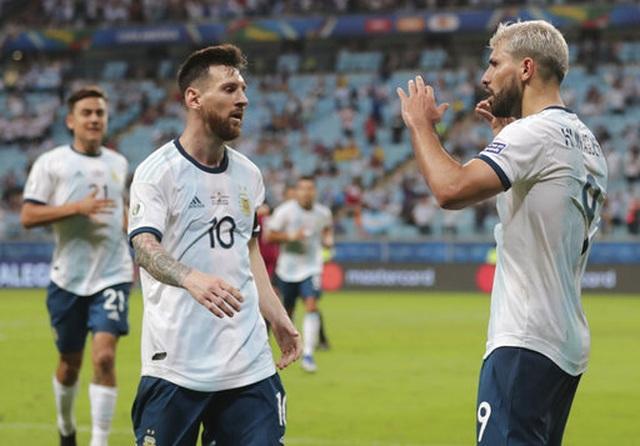Vì sao Messi không thể thăng hoa cùng Argentina như tại Barcelona? - 2